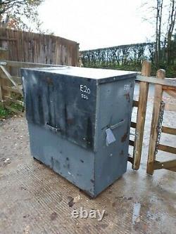 Large Site Store safe tool Lock box van vault garage Workshop With Keys £330+vat
