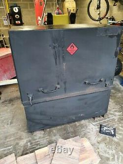 Large Site Store safe tool box van vault garage Workshop with keys