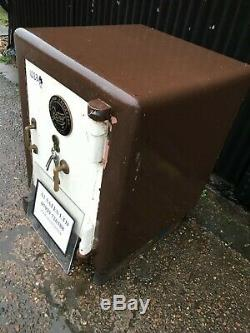 Vintage Ratner safe 1023# nice drinks cupboard, cigar store, house feature
