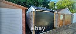 Choix De Cinq Garages En Béton De Démonstration Ex Inc. Double, Magasin/bateau De Travail, Effet Brique