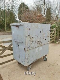 Grand Magasin De Coffre-fort Boîte À Outils Van Vault Garage Workshop Avec Clé £ 350 + Cuve E48