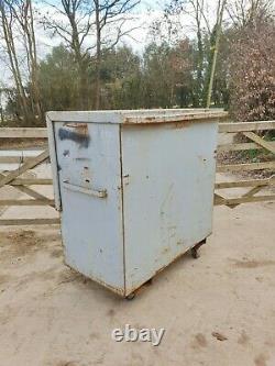 Grand Magasin De Coffre-fort Boîte À Outils Van Vault Garage Workshop Avec Clés £350+vat E34