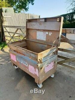 Knaack Boîte À Outils En Toute Sécurité Rigide Site Magasin Van Camion Voûte De Garage Sur Roues £ 150 + Tva
