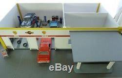 Loaded Oversize Modèle Sur Mesure Garage / Station / Magasin / Bureau 1 / 24-25 Diorama
