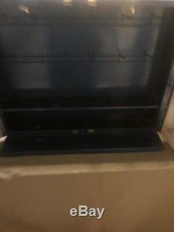 Motoneige Allumage Pièces Cabinet Garage Magasin D'affichage Cave Man Bosch Concessionnaire