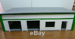 New-custom Made Modèle Garage / Station / Magasin / Bureau 1 / 24-25 Modèle Diorama
